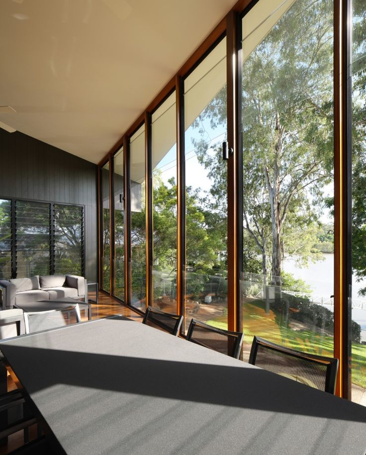 A 1990's Cottage Turned Into a Bright Contemporary Home By Shaun Lockyer Architects