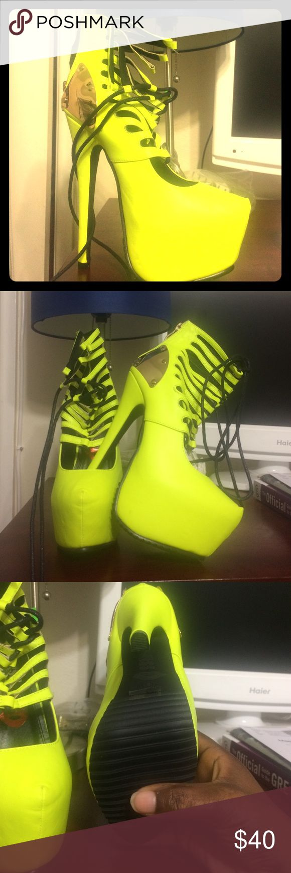 RedKiss Neon Green Platform Heels Ladies looking for the perfect going out shoe look no further. Can be dressed up with a cute leather jacket, t-shirt and jeans. The color pops and looks good on any skin top. Brand new condition and very comfortable fit. Shoes Heels