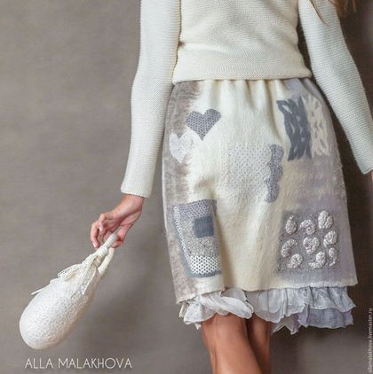 Купить или заказать Валяная юбка Шале в интернет-магазине на Ярмарке Мастеров. Валяная юбка, романтичная, воздушная, тёплая и комфортная, немного этно, немного бохо, абсолютно эко ) Выполнена в натуральной цветовой гамме из шерсти итальянского мериноса и шерсти английской породы Blue Faced Leicester . Нижняя юбка с цельноваляной оборкой из шёлковых тканей и французского кружева. Состав нижней юбки: шёлк, хлопок, бамбук, эластан.