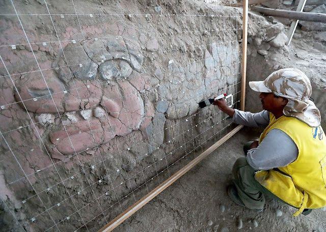 Peru Lima'daki Huaca Garagay Frizi