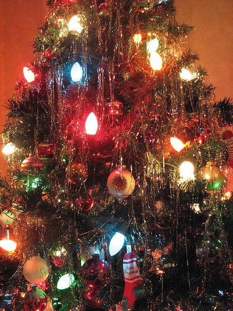 Retro tree by amsun, via Flickr.    This reminds me of Christmas in the mid '70's. I have that stocking.