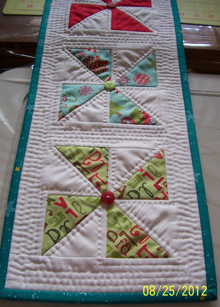 535 best chemin de table images on Pinterest | Waterfall braids ... : free table top quilt patterns - Adamdwight.com