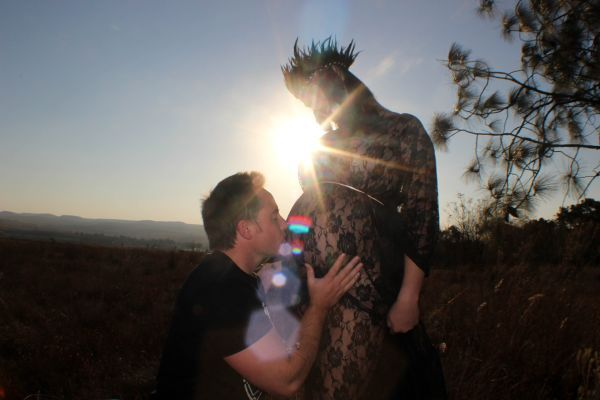 Bear & Bloom Photography. Maternity. Bump. Lens Flare. Family. Mama & Papa.