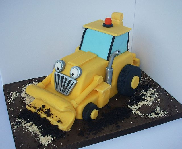 Scoop the digger cake