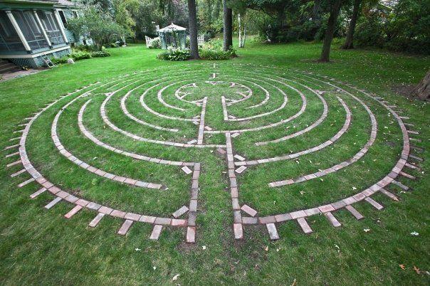 Best 25 labyrinth garden ideas on pinterest labyrinths for Garden maze designs