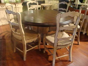 French Country Round Dining Table W/6 Rush Bottom Chair