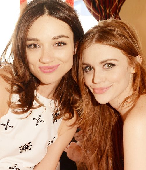 crystal reed and holland roden sdcc13