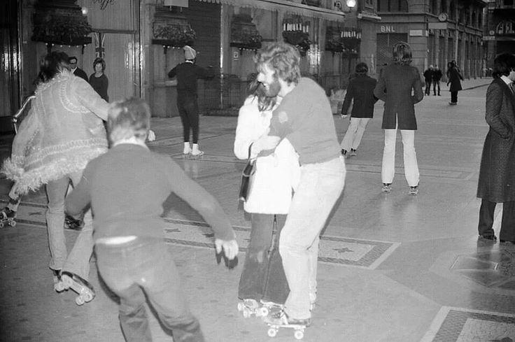 skaters in the Vittorio Emanuele gallery - Milano, 1972
