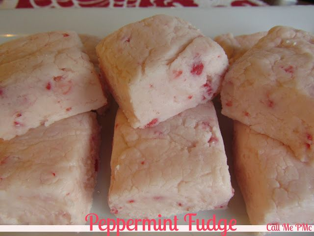 3 ingredient Peppermint Fudge is very easy to make. Great for teacher, neighbor, friend, or office gifts! #fudge #gifts #Christmas