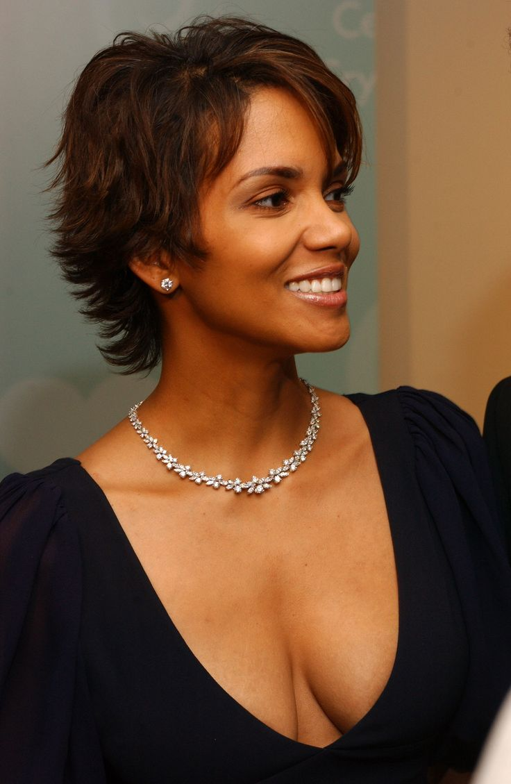 Halle Berry | Beautiful Women | Pinterest | Berries, Halle ...