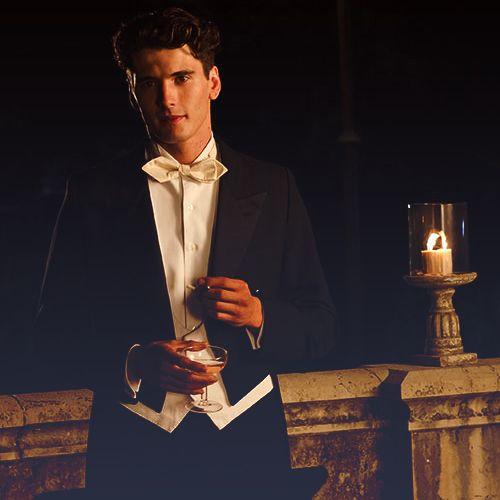 "Julio Olmedo de la serie española ""Gran Hotel"""