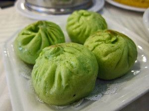 Spinach Pork Buns at Sea Harbour in Rosemead. - Finding Chinese Food in Los Angeles: http://mnu.sm/XhPod5