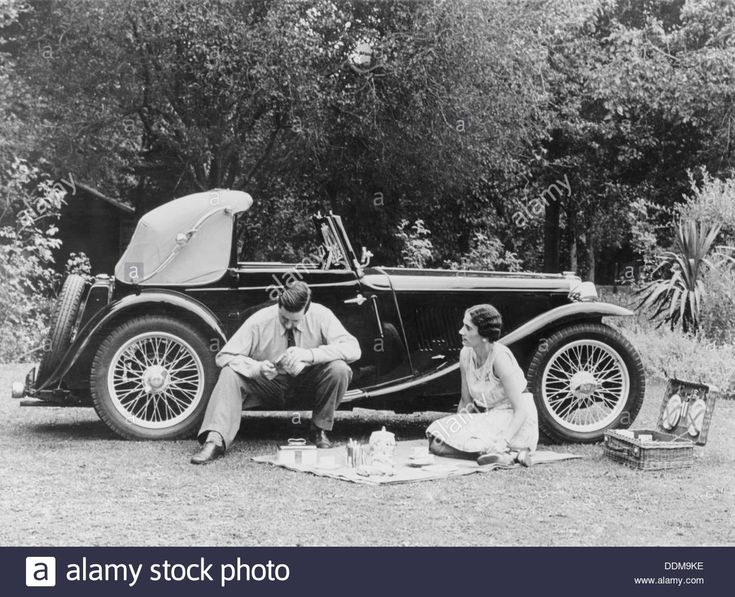 Couple Having A Picnic By An Mg Ta Midget, Late 1930s Stock Photo, Royalty Free Image: 60068274 - Alamy