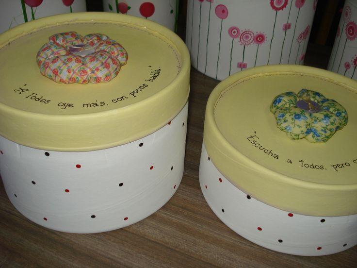 cajas de carton pintadas