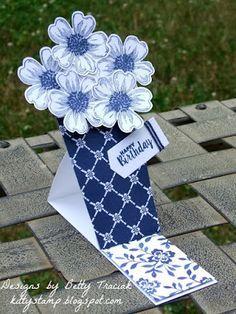 Kitty Stamp: Popcorn Box Die Flower Vase Easel Card. Made with Stampin' Up Popcorn Box Framelit Die