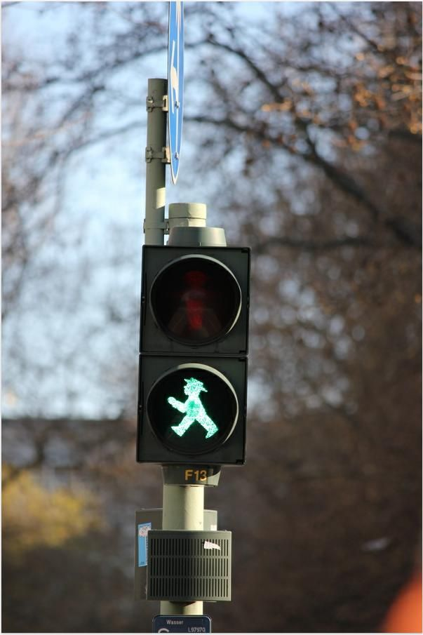 Never really got the hype over the Ampelmann in Berlin. Much to my sisters amusement