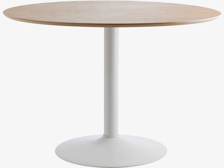 LANCE NATURAL Wood 4 seater oak veneer round dining table - HabitatUK