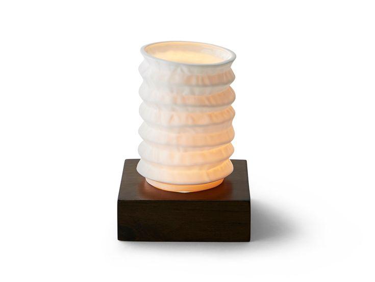 Porcelaine lamp by www.spinceramics.com/