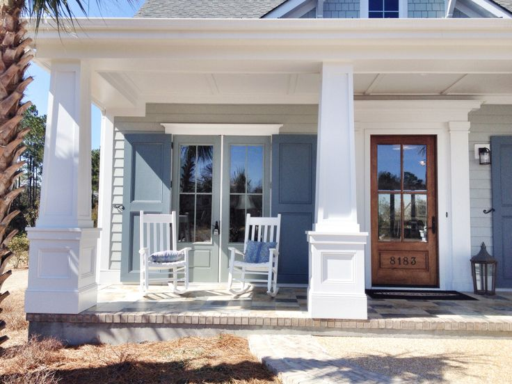 Try coastal colors for your exterior paint placing a few for Coastal living exterior paint colors