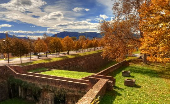 LUCCA: THE WALLS