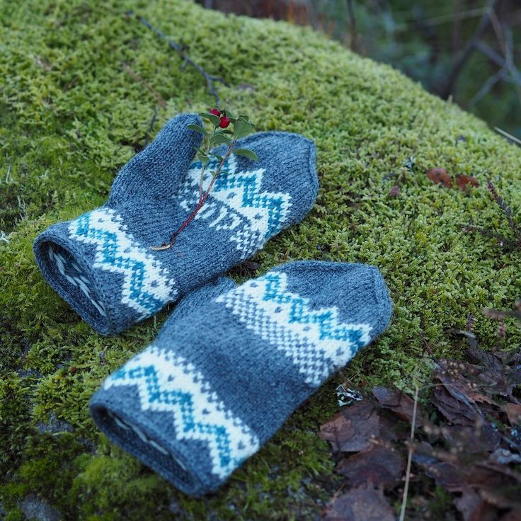 New years mittens by Maja Karlsson
