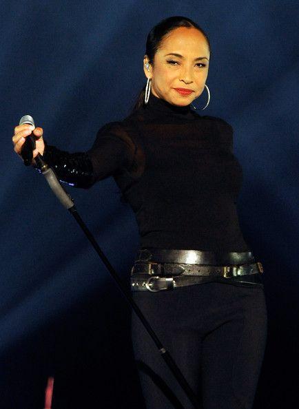 Sade Photo - Sade And John Legend Perform At The MGM Grand Garden Arena