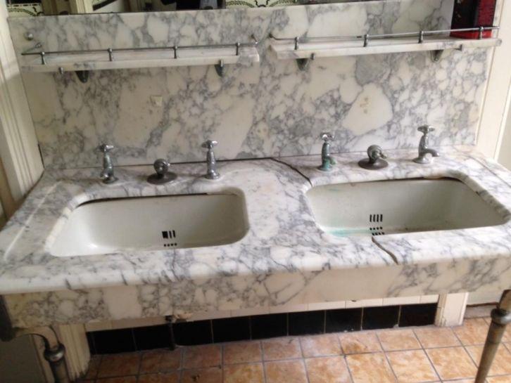 Marmeren badkamermeubel met 2 wasbakken - Gratis