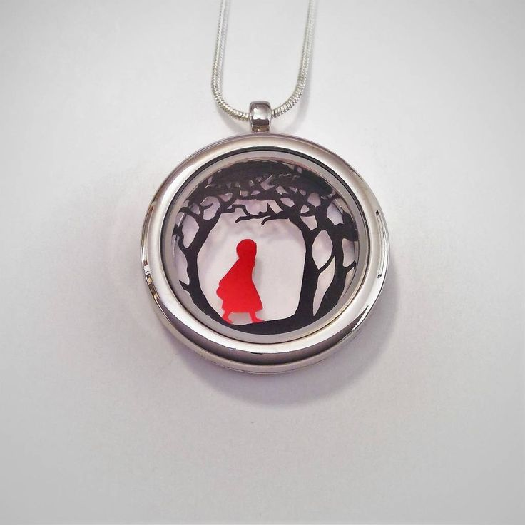 Are you interested in our papercut pendant? With our fairytale necklace you need look no further.