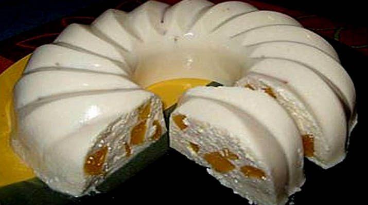 Творожный десерт без выпечки с персиком