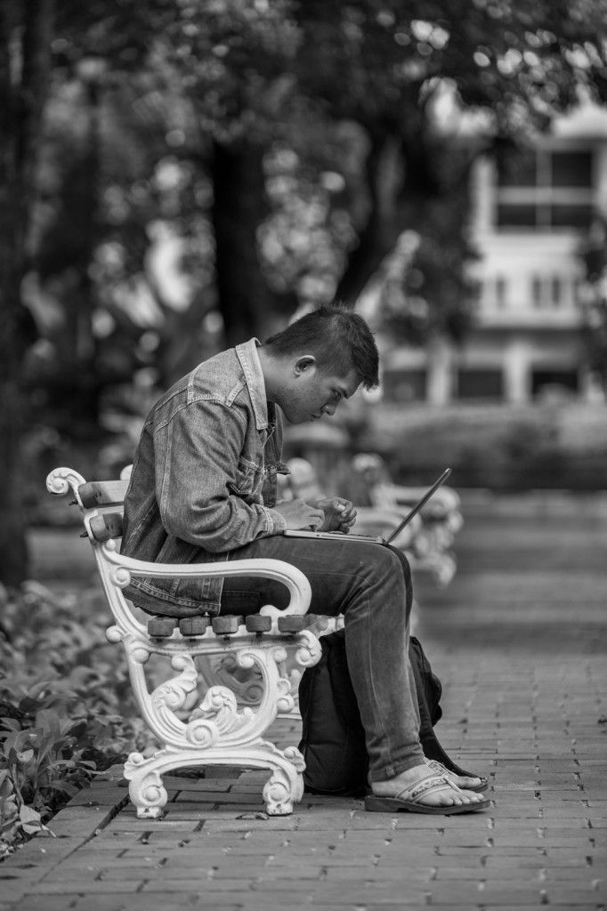 Konsentrasi  | DiTrotoar | Street Photography