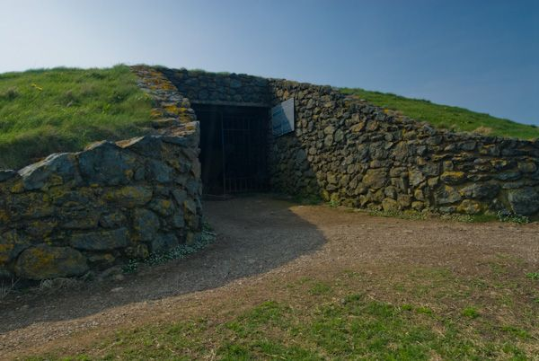 Barclodiad y Gawres , Tomb entrance (Wales )