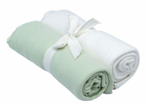 Økologiske Babytepper - Swaddle / Receiving Blanket, off white & sage.2-pk offwhite oggrågrønn (sage). Supermyke ogherlige flerbrukstepper i flanell. * Tynnere tepper i lunbomullsflanell. Børstet for mer bløthet og lodden overflate.* Et allsidig teppe med mange muligheter og i sjenerøs størrelse,86x86 cm.* Et must som svøpeteppe eller receiving blanket/holdeteppe for nyfødte, men også flott som pledd ellerkoseteppe.* Matchendeprodukter somgir finegavesett. 100% GO...