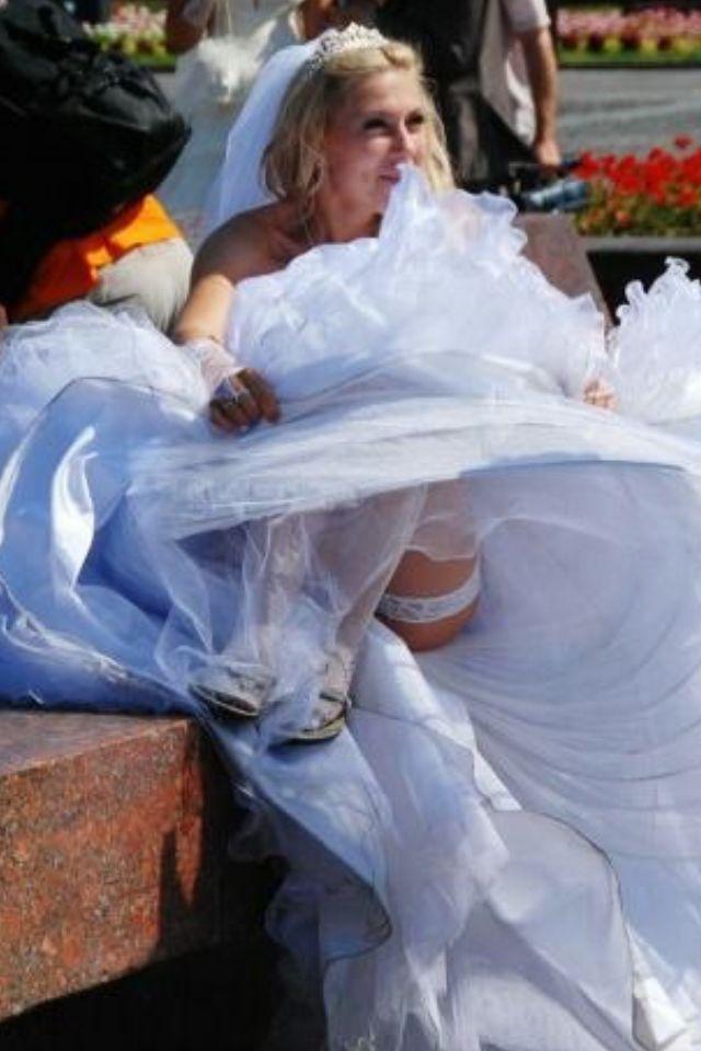Simply Bride accidental voyeur