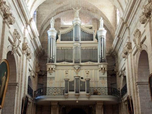 Orgue Eglise Notre Dame des Pommiers à Beaucaire. Place Olivier Lombard - 30300 BEAUCAIRE