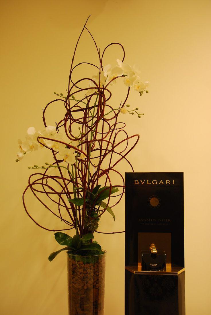 Bienvenido al mundo floral según Koldo Esparza, un espacio basado en la arquitectura espontánea que la propia naturaleza nos ofrece. www.koldoesparza.com & www.koldoesparzaminimalflowersconcept.blogspot.com