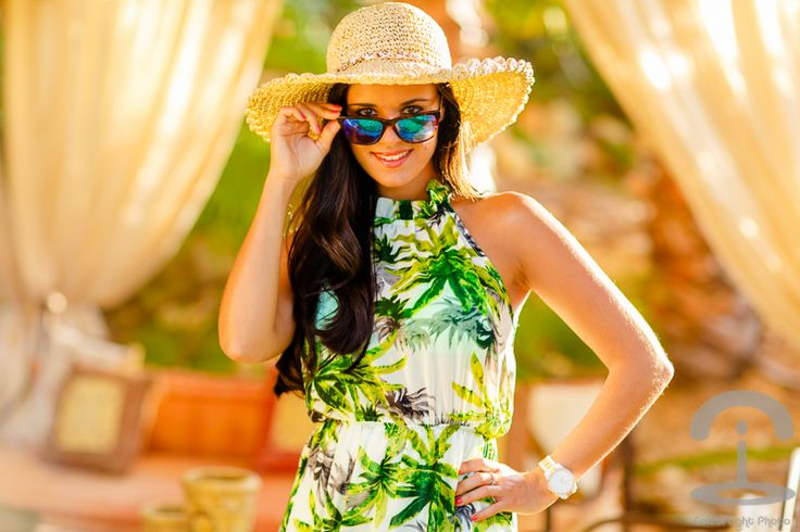 Beach summer look de playa vestido tropical dress pamela Crimenes de la Moda