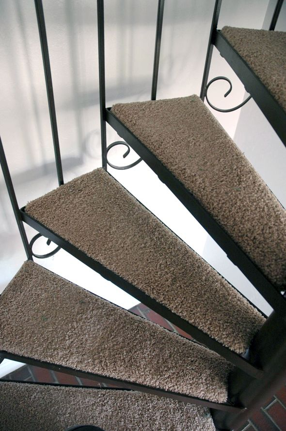 Best Diy Carpeting Spiral Stairs 400 x 300