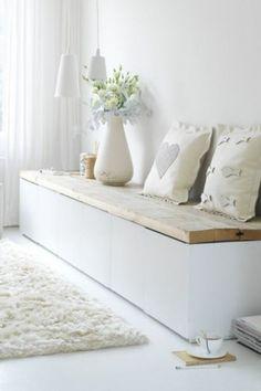 meuble suedois et les meubles scandinaves dans le salon blanc