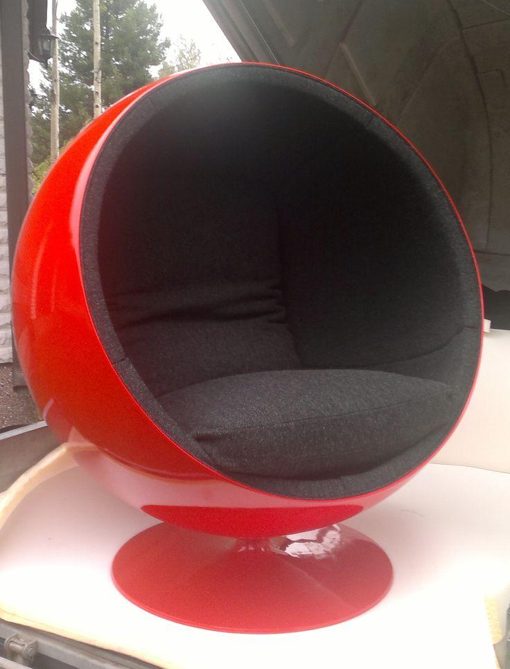 Eero Aarnio ball-chair, pallo-tuoli, newly upholstered by Anu-Riina