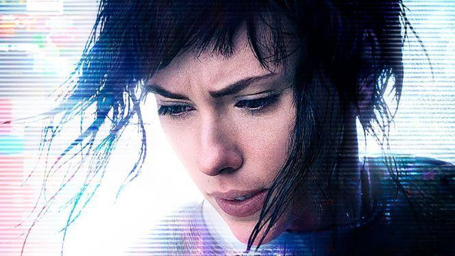 """""""Az Őrnagyot Scarlett Johansson alakítja, aki élettel tölti meg a karaktert, ami Sanders szerint jobbára hiányzik az animációs hősből..."""" #páncélbazártszellem #filmelőzetes #scarlettjohansson #rupertsanders #ariarad #pilouasbæk #kitanotakesi #juliettebinoche https://ps4pro.eu/hu/2003/06/23/pancelba-zart-szellem-szereplok-a-vilag-minden-reszerol-2-resz/"""