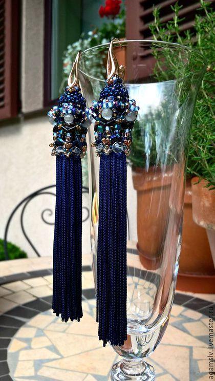 Купить или заказать Серьги 'Амальфи' в интернет-магазине на Ярмарке Мастеров. Красивые, синие, с кристаллами, с кисточкой, струящиеся, ассоциируются с Амальфитанским побережьем. Серьги с настроением. Замочки - серебро с позолотой.