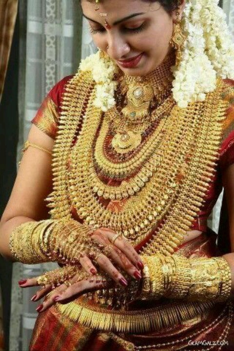 www.sameepam.com   Indian woman just love  Gold than her man :p