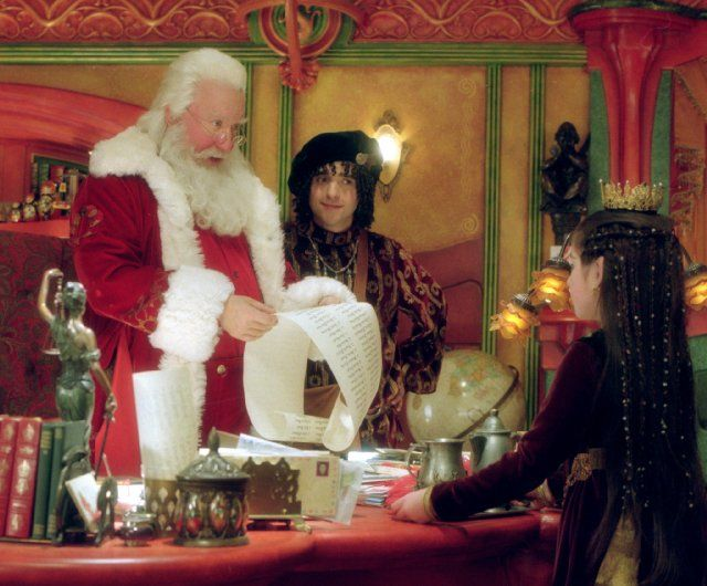 The Santa Clause 2 (2002) photos, including production stills, premiere photos and other event photos, publicity photos, behind-the-scenes, and more.
