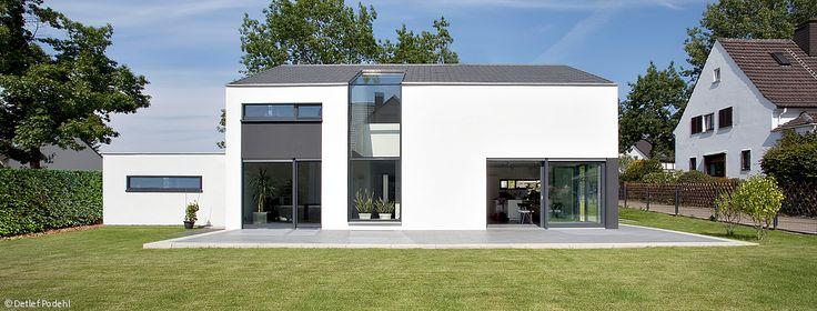 die besten 25 hausmodelle ideen auf pinterest immobilien h user schwedenhaus fertighaus und. Black Bedroom Furniture Sets. Home Design Ideas