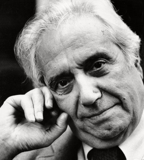 O designer Daciano da Costa, um dos pioneiros da profissão em Portugal, morreu ontem em Lisboa aos 75 anos, vítima de cancro.