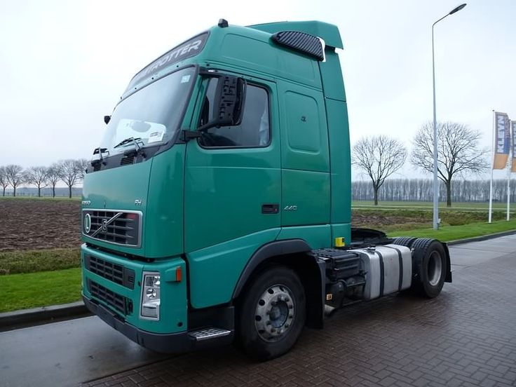 For sale: Used and second hand - Tractor unit VOLVO FH 13.440 MANUAL 6B