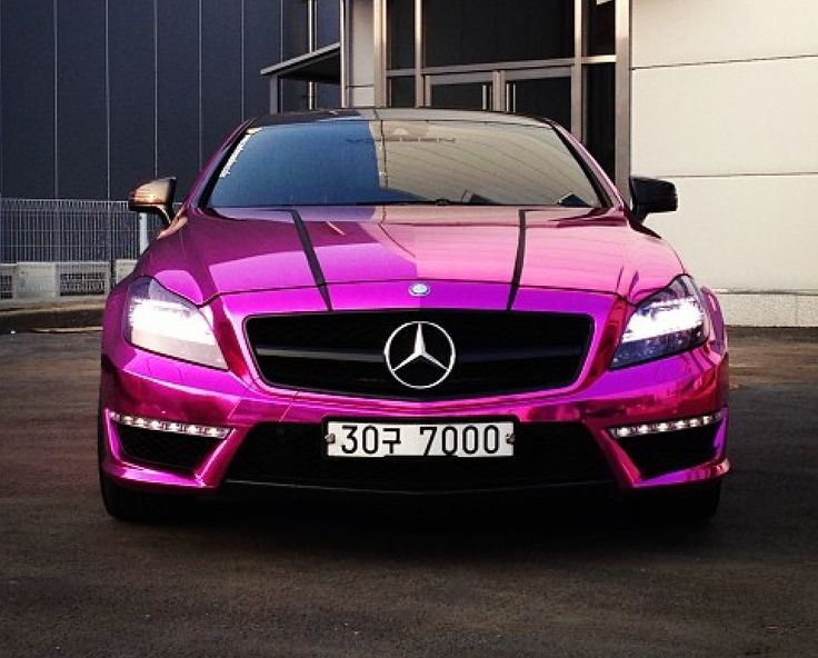 Wow.. Metallic pink Mercedes