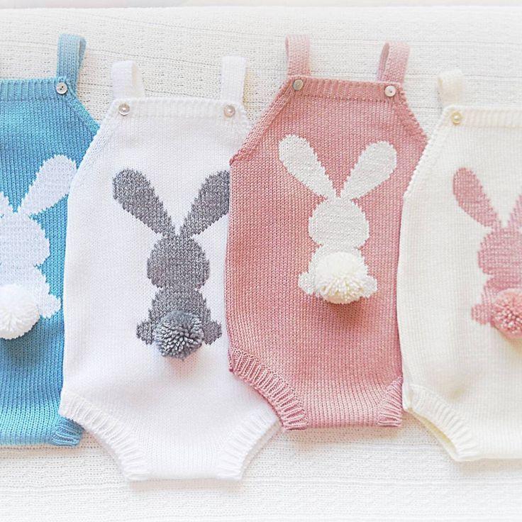"""Consulta esta foto de Instagram de @maria_carapim • 203 Me gusta [   """"Knitting \""""big ear rabbit\"""" toad pants - maomao - i"""