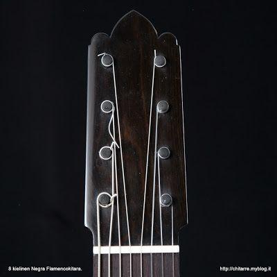 8 kielinen Negran Flamencokitara, Eebenpuu lapa, clavijas, satulat hirven sääriluu. Rodolfo Cucculelli, soitinrakentaja. https://youtu.be/PBGPXALEtcc