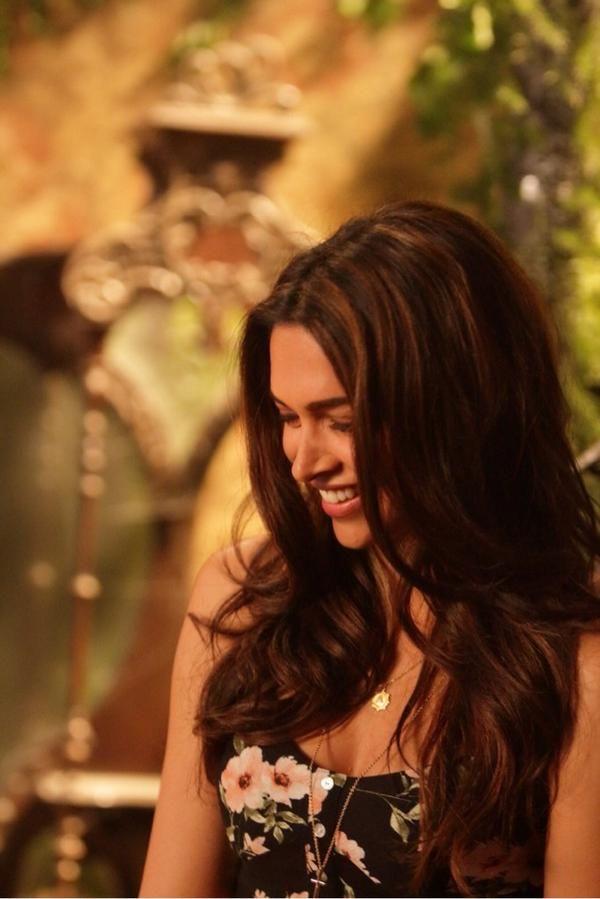 Deepika Padukone in Finding Fanny, subtle highlights